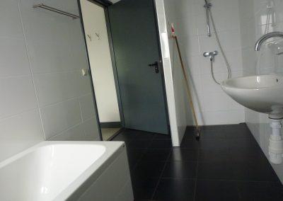 Badkamer west op de begane grond