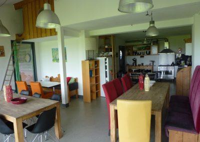 Verblijfsruimte oost annex grote keuken